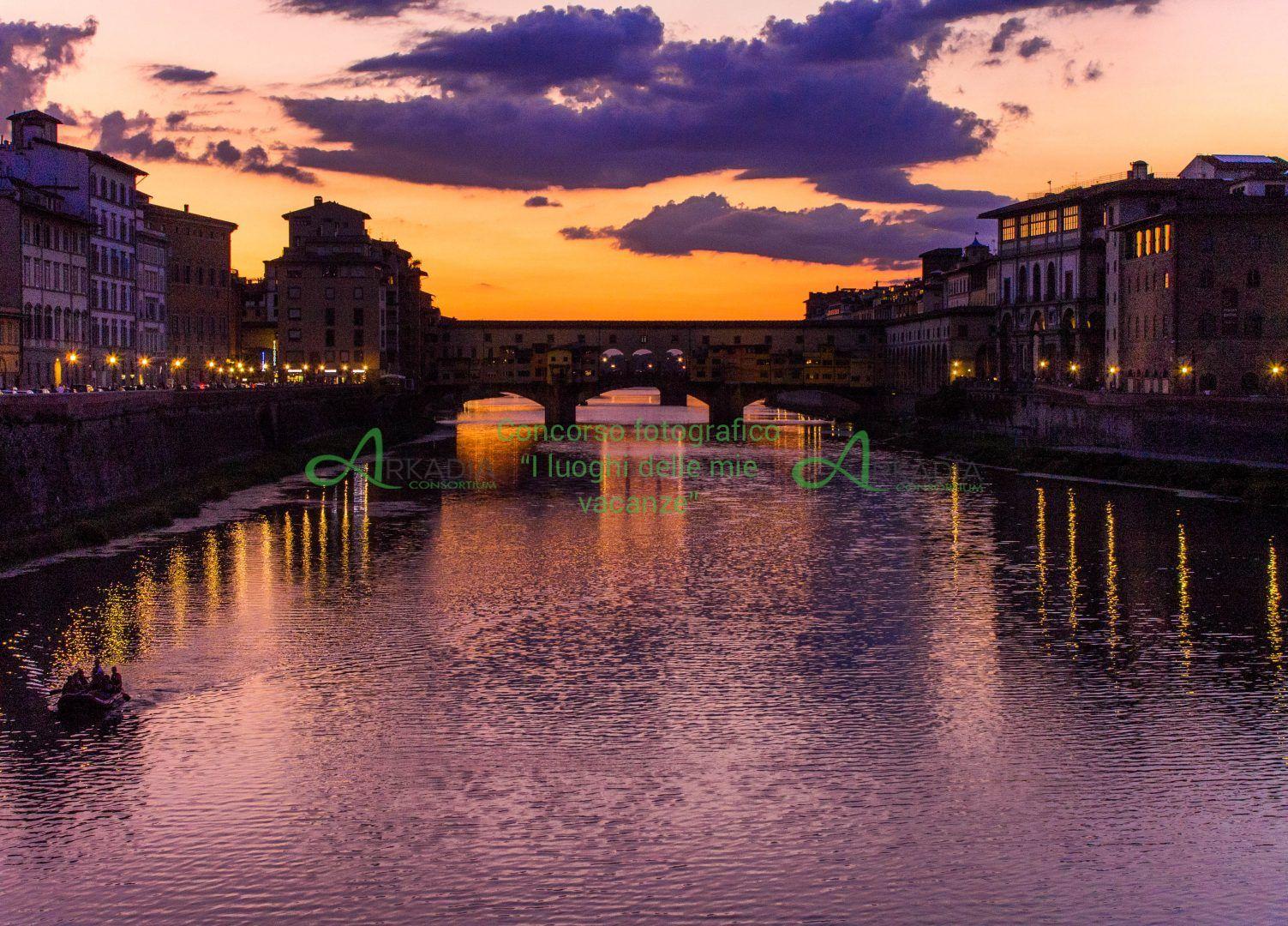 firenze, ponte vecchio al tramonto